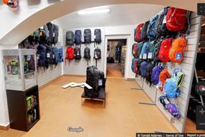 Batohy, kufry, školní tašky, Praha