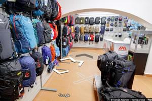 Batohy, kufry, školní tašky